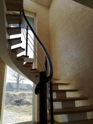 uosines 50 mm pakopos laiptai ant siauro gelzbetonio nerudijancio plieno strypeliai