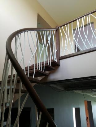 uosines 40 mm pakopos laiptai ant plataus gelzbetonio