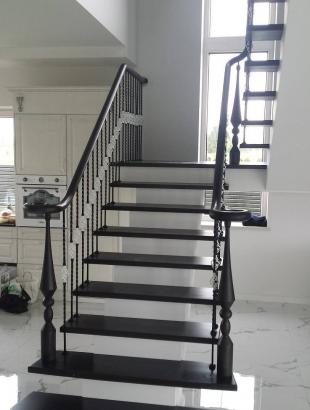 uosines 50 mm pakopos laiptai ant siauro gelzbetonio