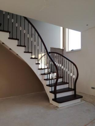 mediniai uzdari laiptai